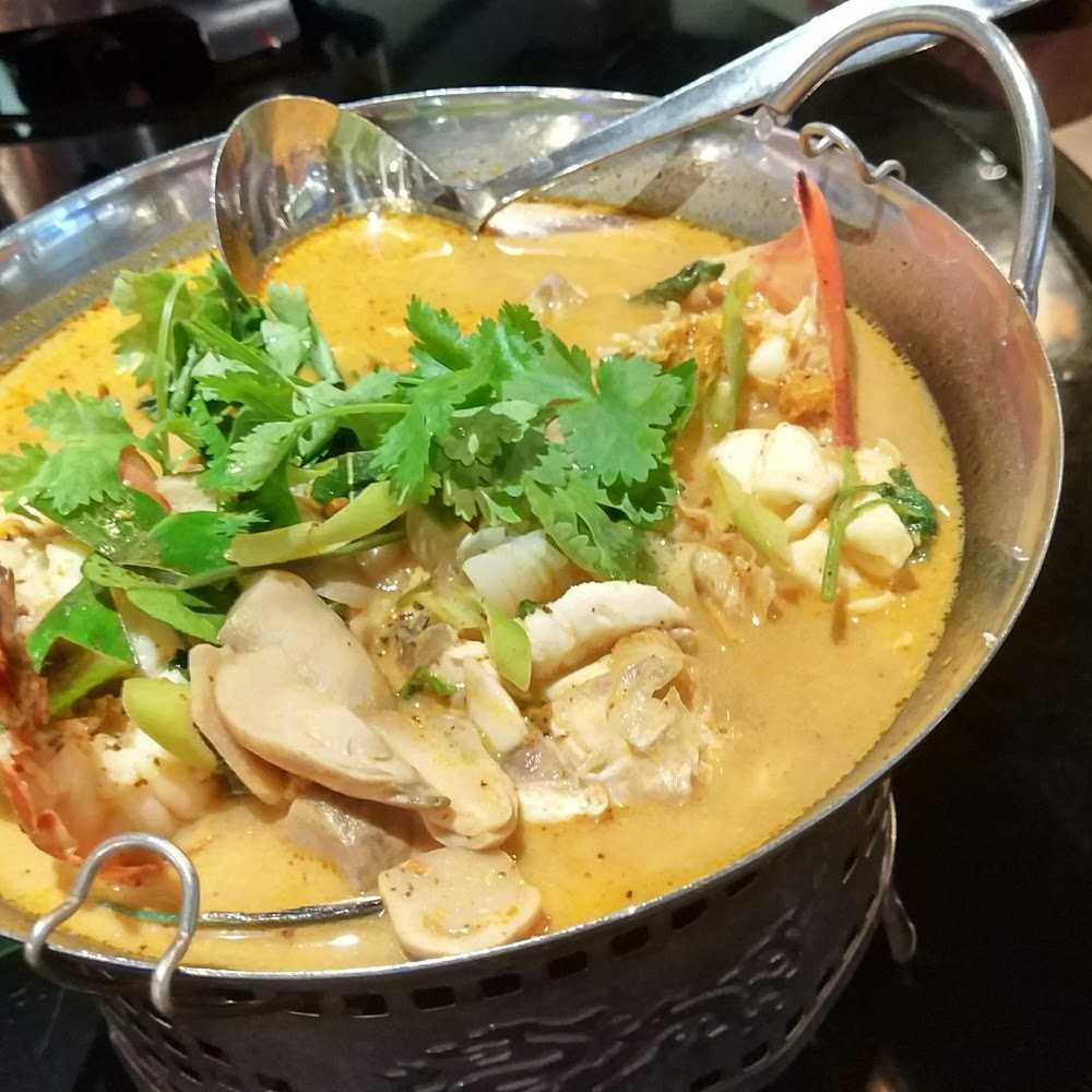 Kuliner Tamnak Thai Restaurant