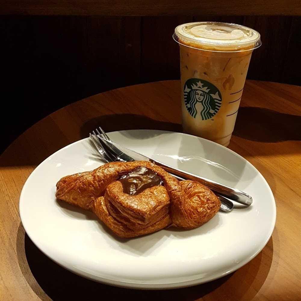 Kuliner Starbucks - Ubud