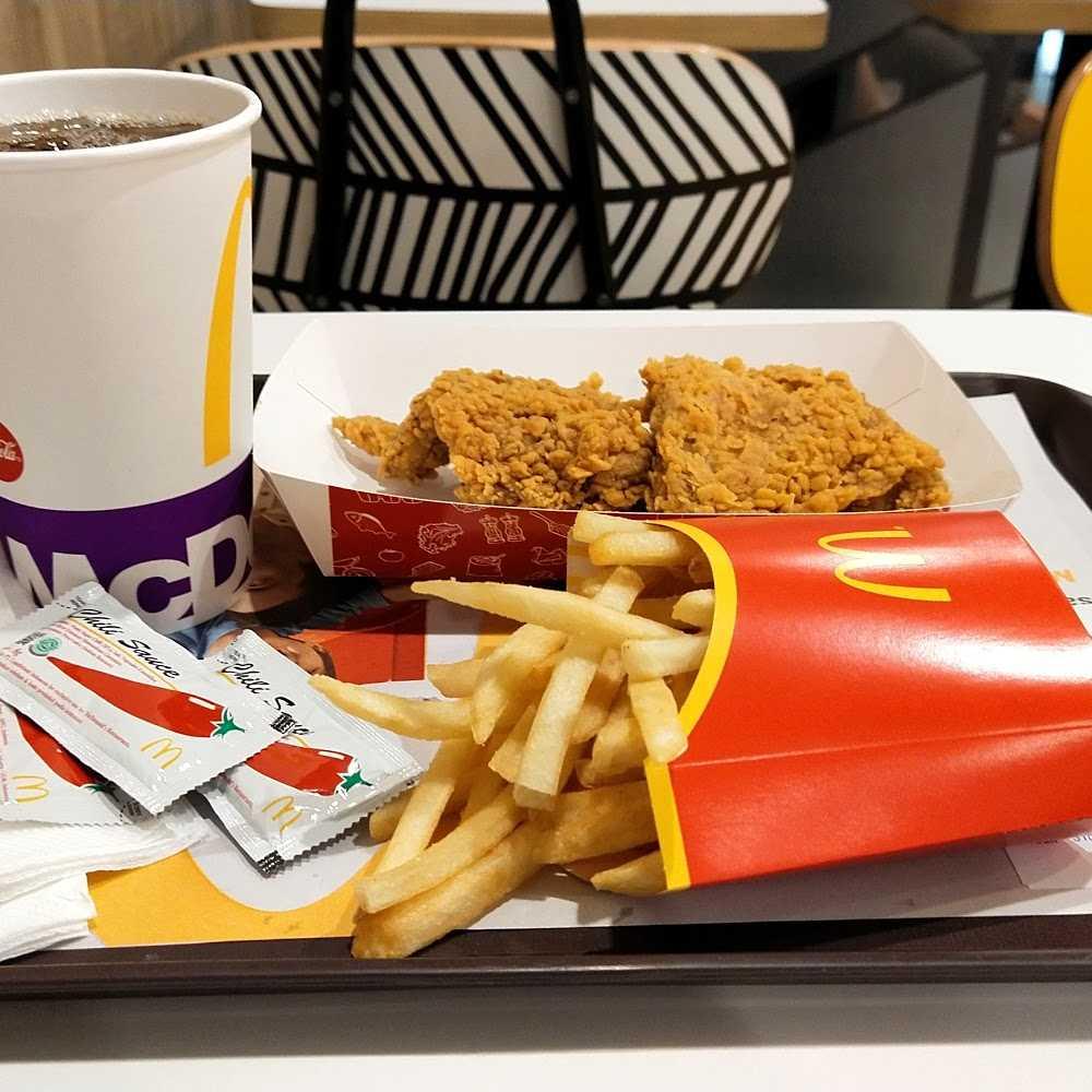 Kuliner McDonald Arion Mall