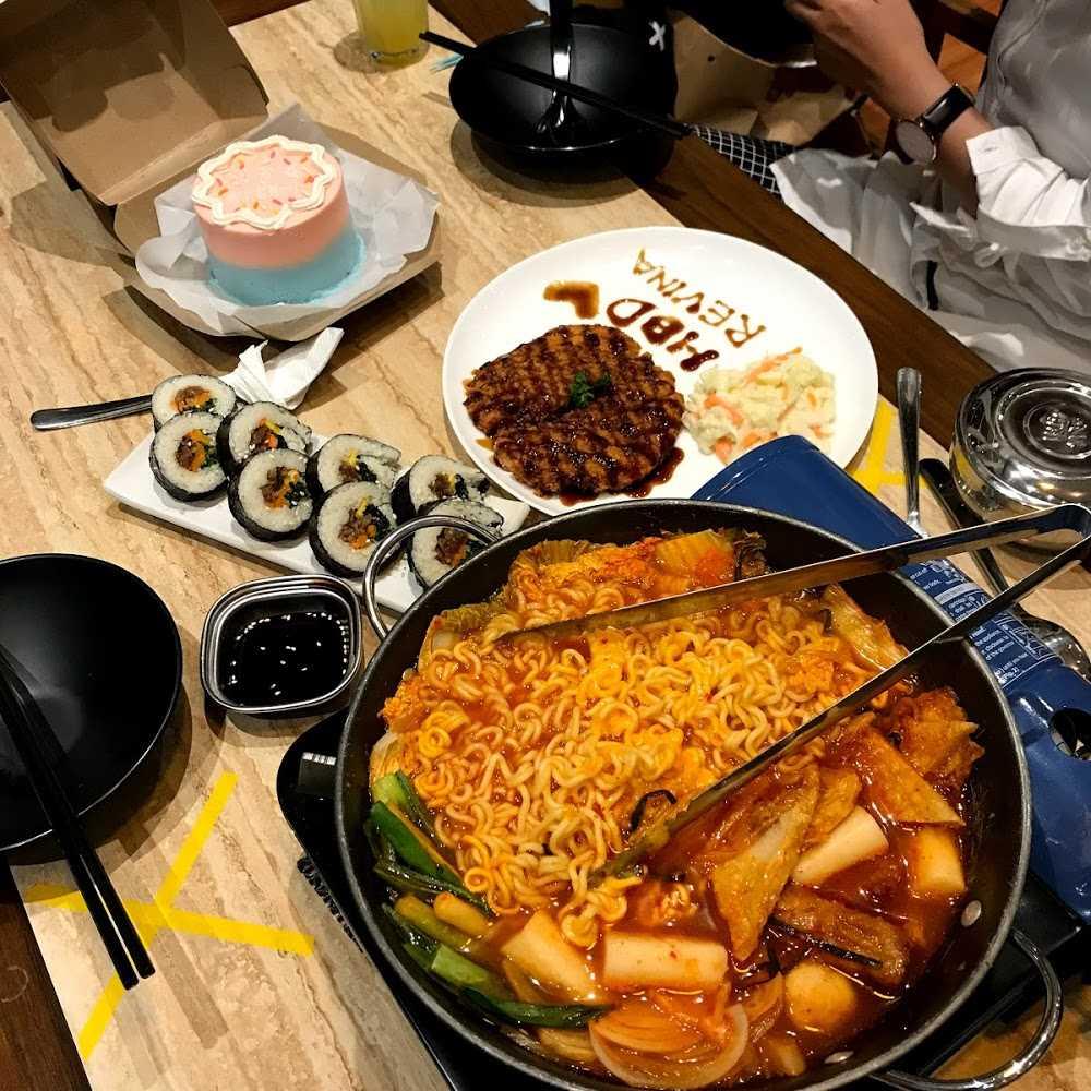 Kuliner Chingoo Korean Food & Working Space