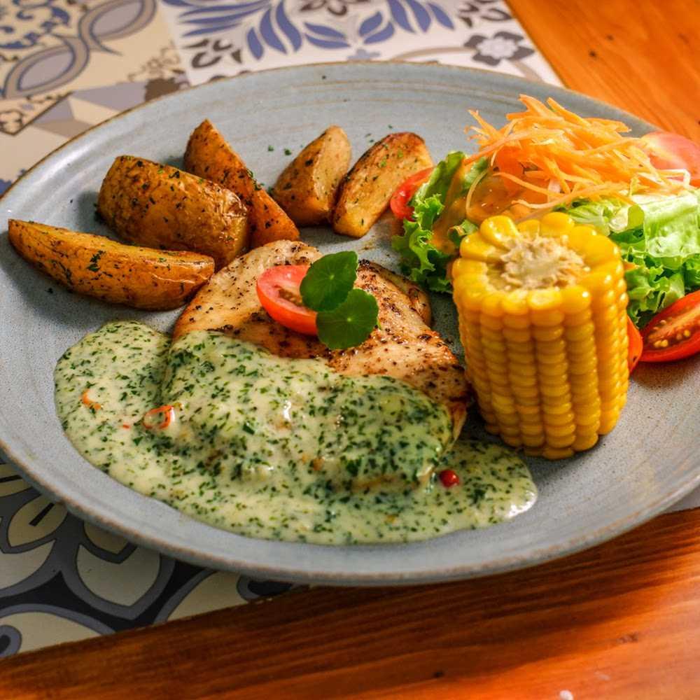 Kuliner Alamama Resto