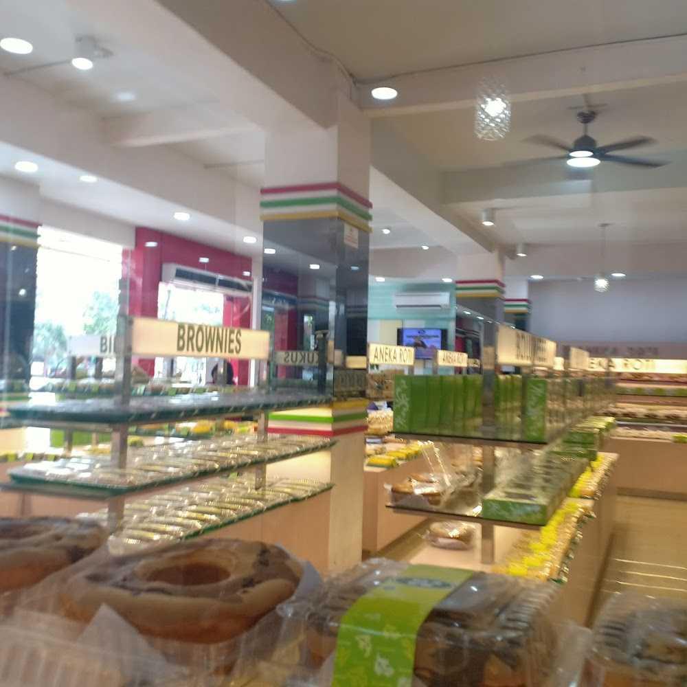 Kuliner Majestyk Bakery & Cake Shop