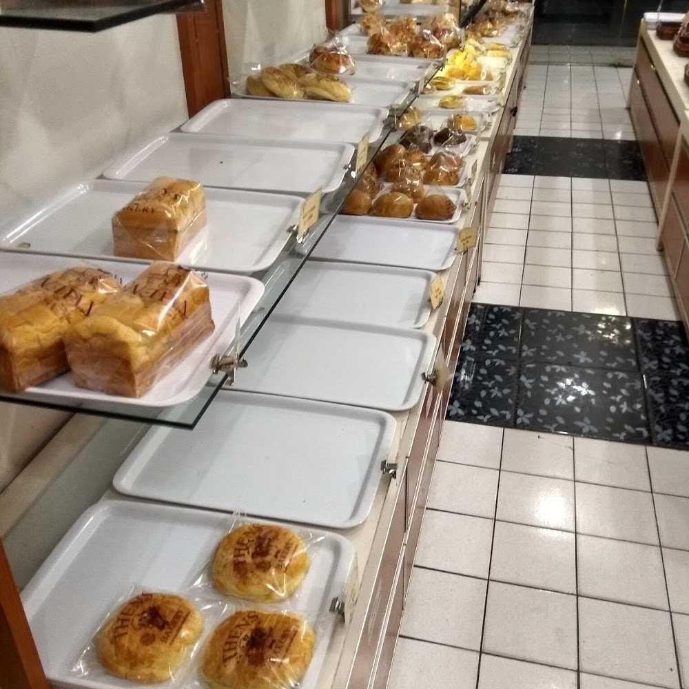 Kuliner Thens Bakery Pondok Kelapa