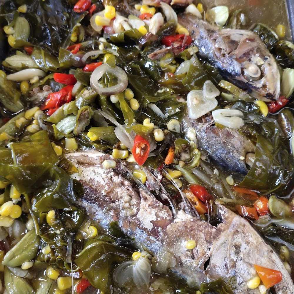 Kuliner Warung Nasi ita (masakan tradisional)