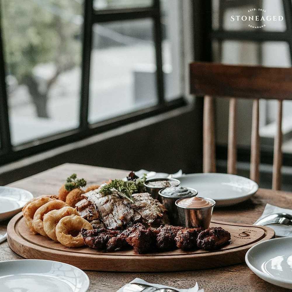 Kuliner Stoneaged Resto & Bar